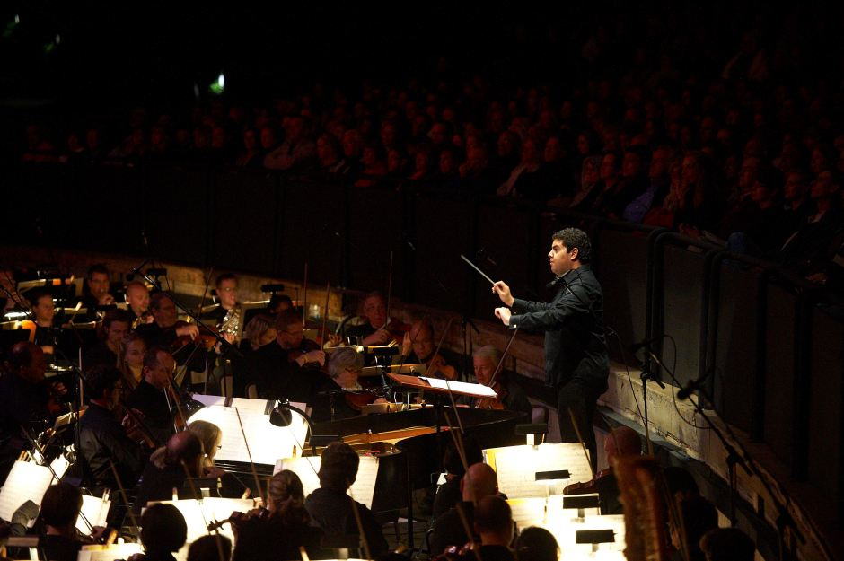The Joffrey Ballet and The Cleveland Orchestra at Blossom Music Center, Tito Muñoz conducting 2010. Photo by Roger Mastroianni.