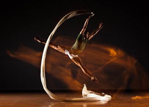 Texture Contemporary Ballet dancer Alan Obuzor. Photo by Nicholas Coppula.