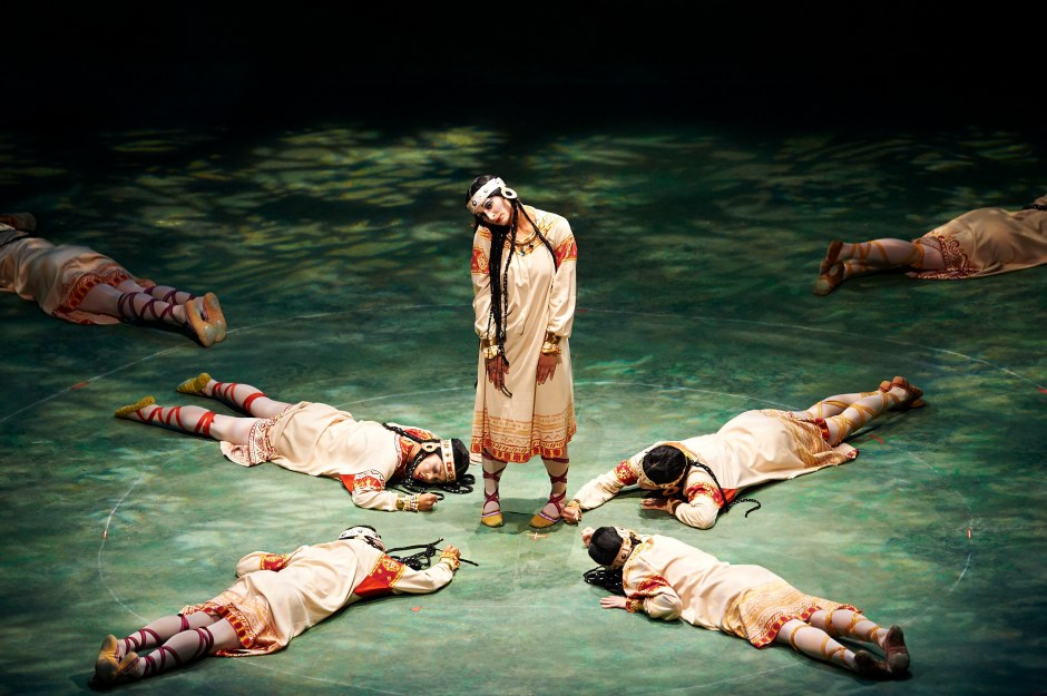 """Joanna Wozniak (center) as """"The Chosen One"""" in Joffrey Ballet's """"The Rite of Spring"""".  Photo by Roger Mastroianni."""