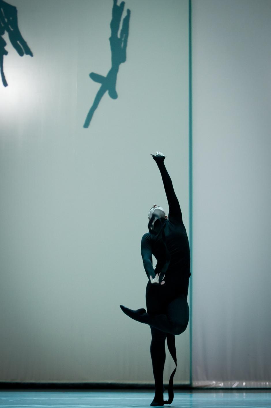 "Compagnie Marie Chouinard dancer  Lucy May in ""Henri Michaux: Mouvements"". Photo by Sylvie-Ann Paré."