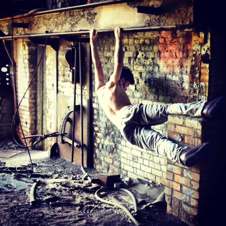 """Pillow Project dancer Taylor Knight in """"The Jazz Furnace"""". Photo by Pearlann Porter."""