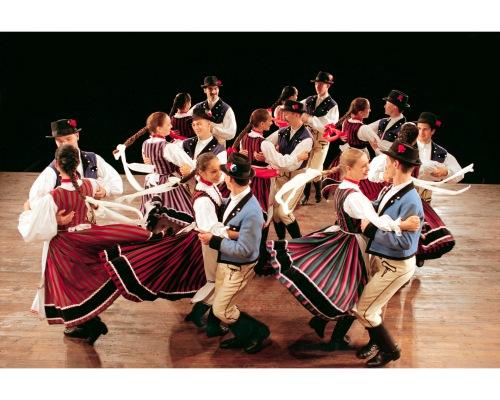 Photo courtesy of the Hungarian State Folk Ensemble.