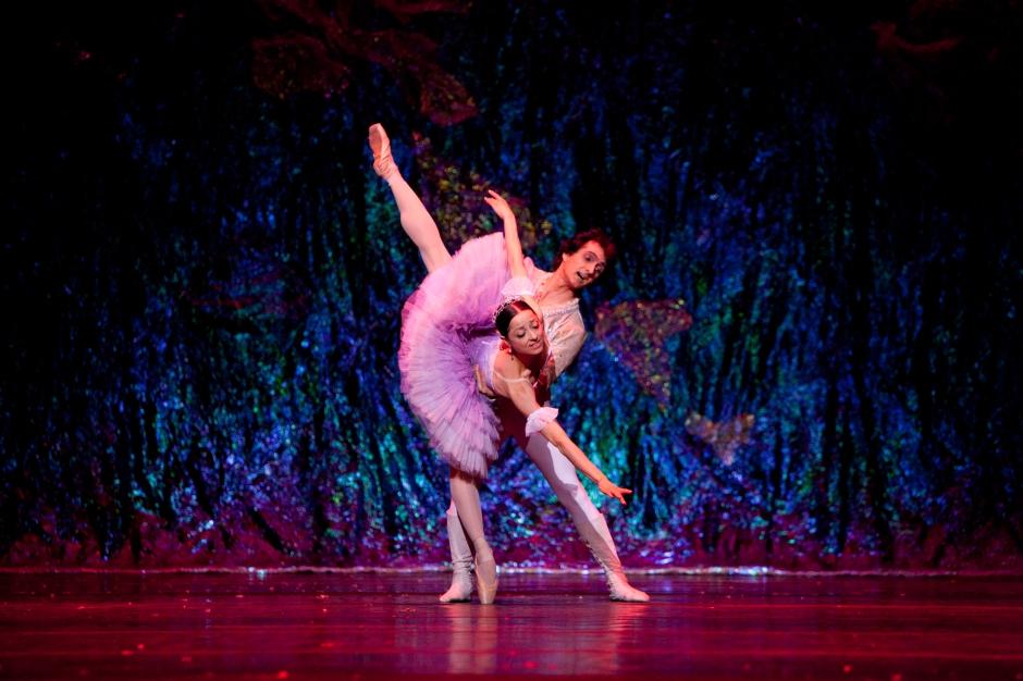 """Sergio Neglia and Silvina Vaccarelli in Neglia Ballet Artists' """"The Nutcracker"""". Photo courtesy of Neglia Ballet Artists."""