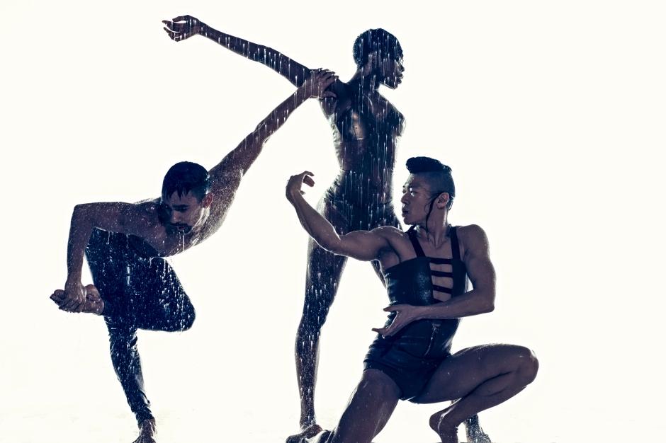 Cedar Lake Contemporary Ballet, (from left) Jon Bond, Ebony Williams and Matthew Rich. Photo by Erez Sabag.