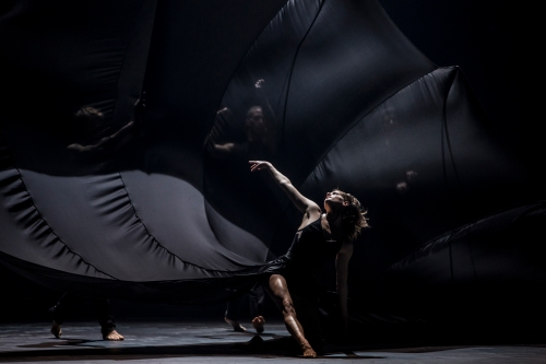 "Ballet du Grand Théâtre de Genève in Andonis Foniadakis' ""Glory"". Photo by Gregory Batardon."