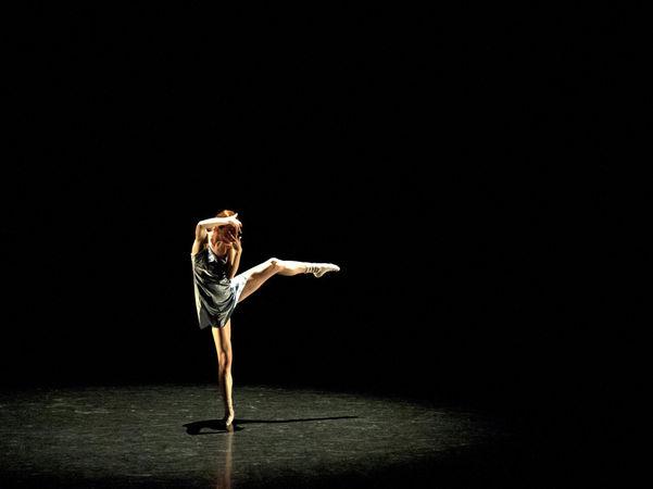 """Grand Rapids Ballet dancer Laura McQueen Schultz in Robyn Mineko Williams' """"One Take"""". Photo by Chris Clark."""