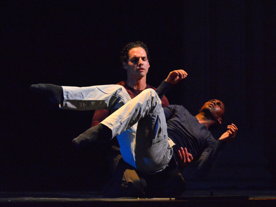 """Chamber Dance Project dancers Andile Ndlovu and Luis R. Torres in Diane Coburn  Bruning's """"Exit Wounds"""".  Photo by Paul Wegner."""