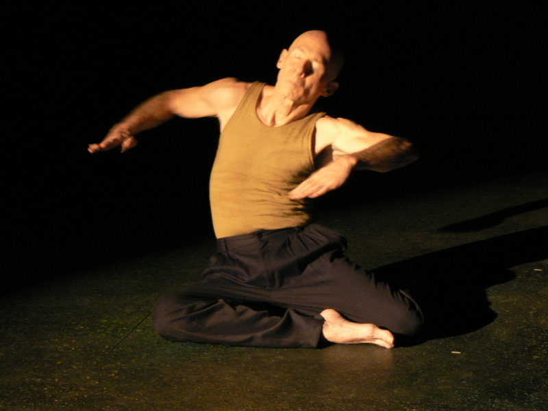 """Mark Conway Thompson in """"Icarus"""".  Photo by Linda Wallen."""