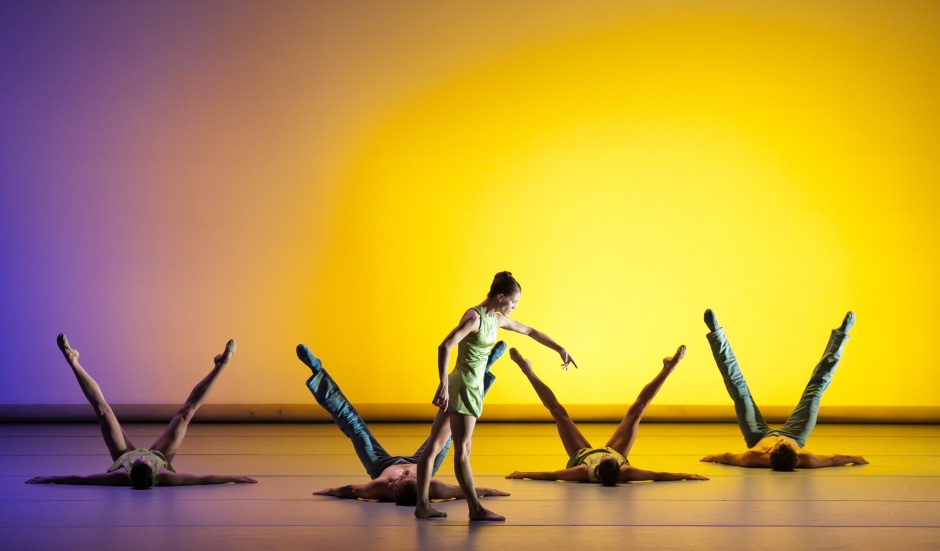 """The company in Jorma Elo's """"Over Glow"""". Photo by Sharen Bradford."""