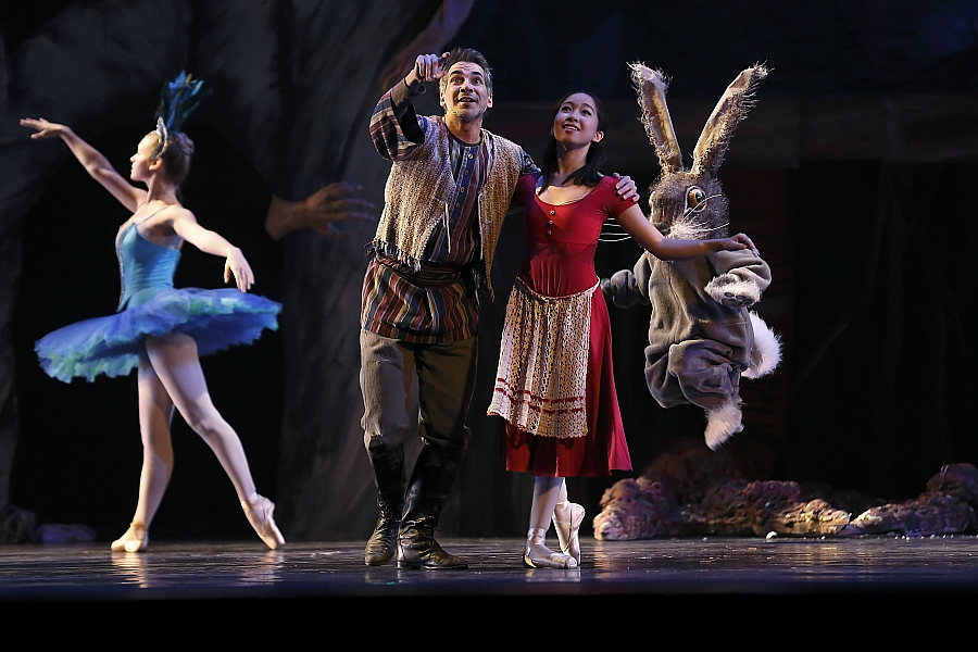 """Yuha Tomita as Misha and Angel Diaz as her father in Neglia Ballet Artists' """"Baba Yaga"""". Photo by Don Neiman."""