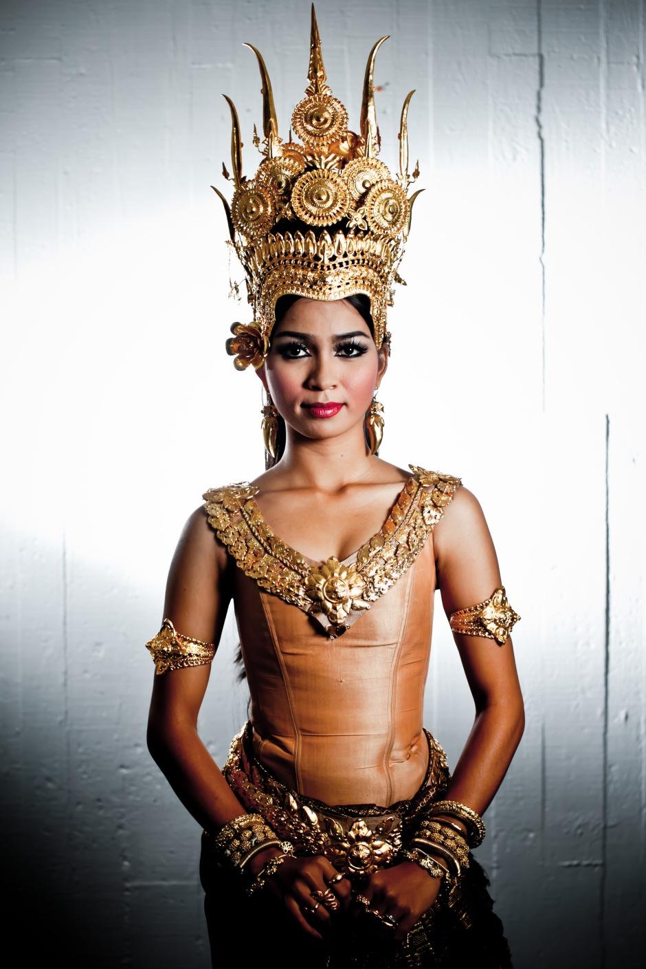 Chamroeuntola Chap of The Royal Ballet of Cambodia. Photo by Thomy Keat.