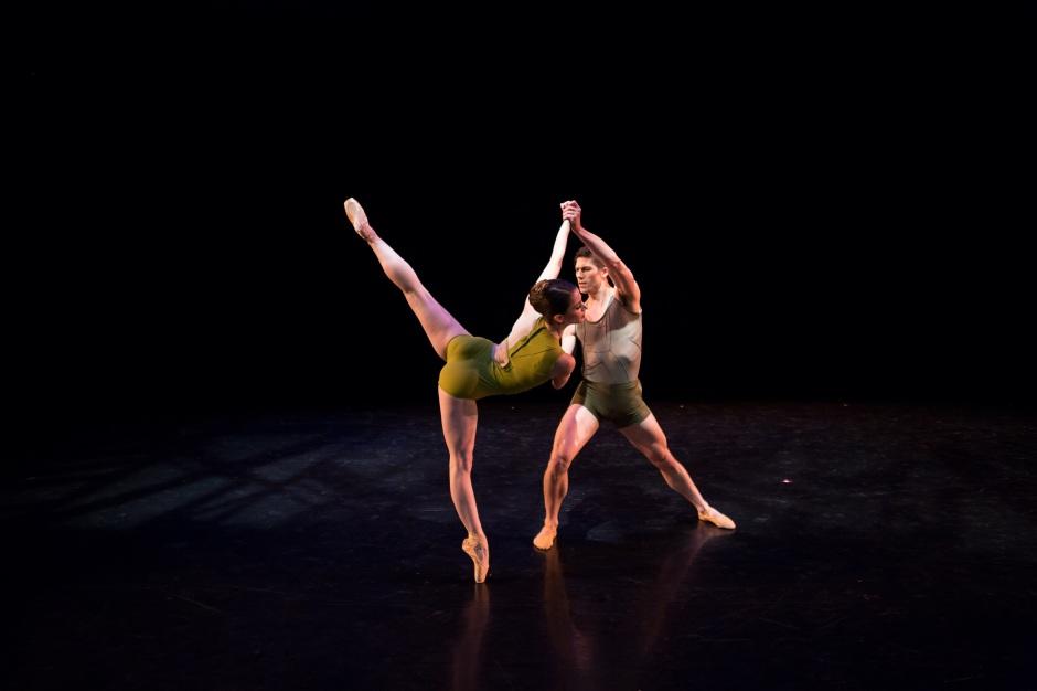 "BalletMet dancers Caitlin Valentine Ellis and David Ward in Matthew Neenan's ""On the Other Side"".  Photo by Jennifer Zmuda."