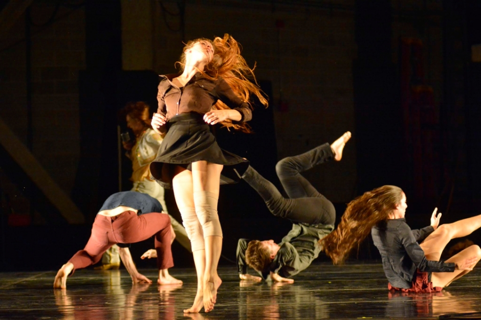 GroundWorks dancers in Johannes Wieland's wait. now. go. now.  Photo by Mark Horning.