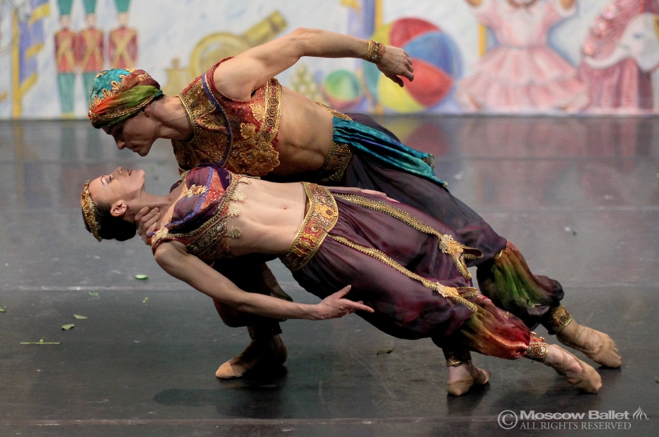 A rare moment of brilliance: Sergey Chumakov and Elena Petrichenko perfom the Arabian Variation in Moscow Ballet's Great Russian Nutcracker. Photo courtesy of Moscow Ballet.
