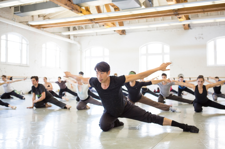 """Liang rehearsing """"Twisted: a Trio of Excellence"""" with the company (photo by Jennifer Zmuda, courtesy BalletMet)"""