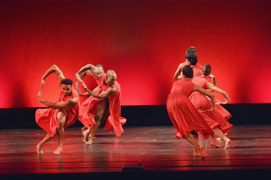"Dallas Black Dance Theatre in Garfield Lemonius' ""Memoirs"".  Photo by Mark Horning & Co."