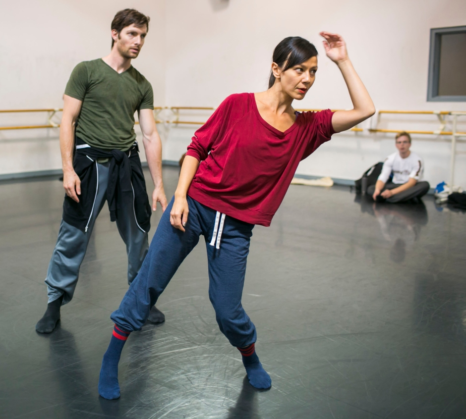 In rehearsal with Hubbard Street. Photo by Todd Rosenberg, Courtesy HSDC.