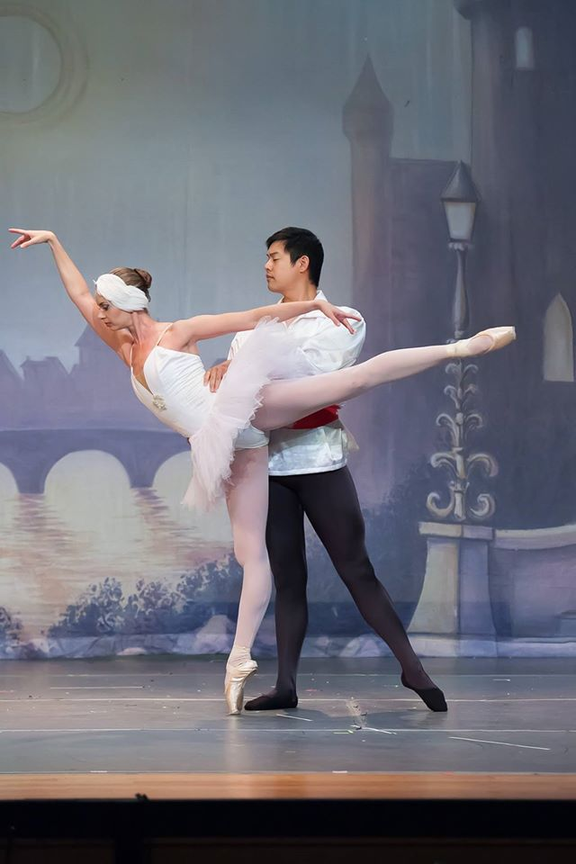 Janet Strukely-Dziak as Odette and Clayton Cunningham as Prince Siegfried in Olmsted Performing Arts'