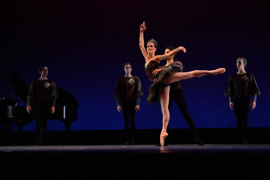 """Cleveland Ballet & Neos Dance Theatre dancers (Brooke Wesner - center) in """"Glazunov"""" (excerpts from Marius Petipa's Raymonda set by Cynthia Graham and Gladisa Guadalupe).  Photo by Mark Horning."""