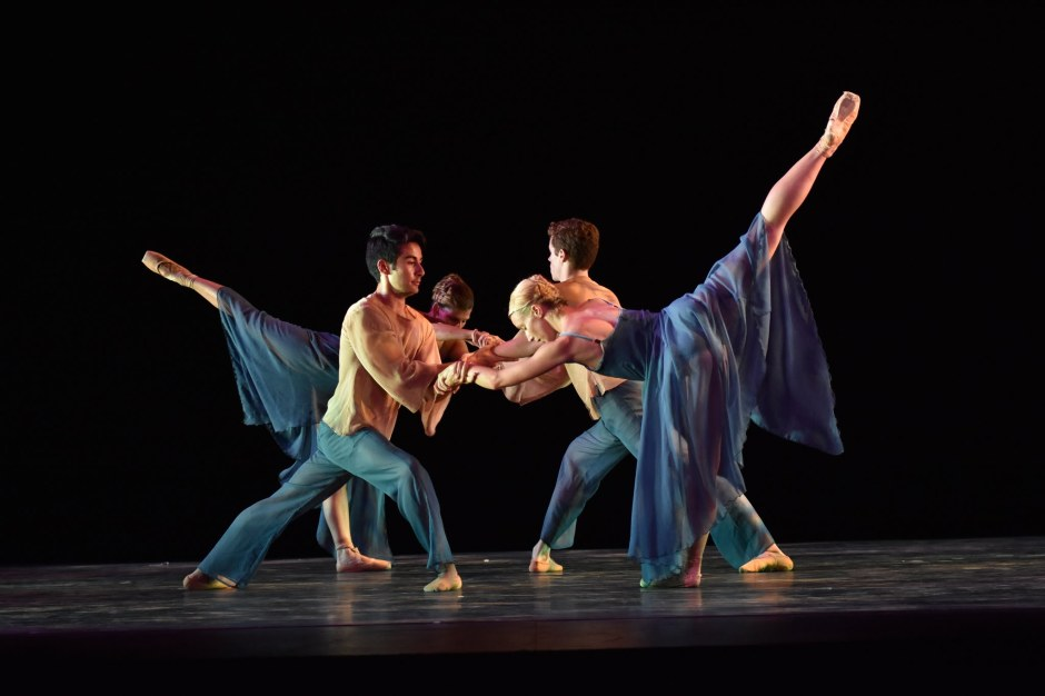 """Neos Dance Theatre & Cleveland Ballet dancers in Joseph Morrissey's """"Suite for Strings."""" Photo by Mark Horning."""
