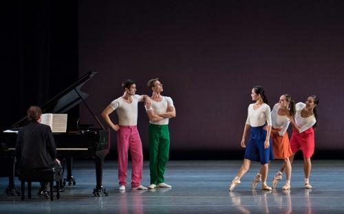 cincinnati-ballet-dancers_capricious-maneuvers-500x311