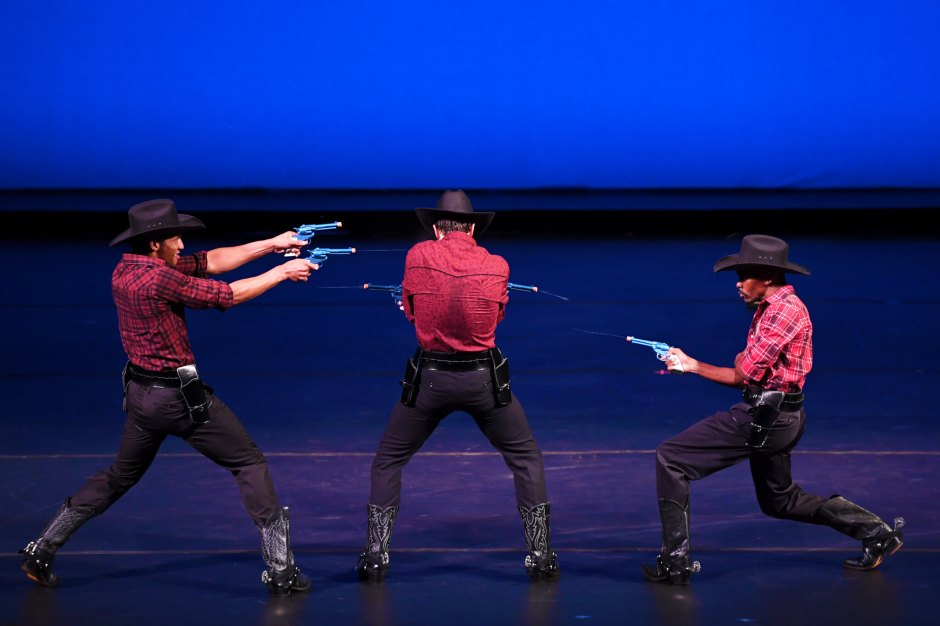 Cowboys-water-fight-endEPP_2970a